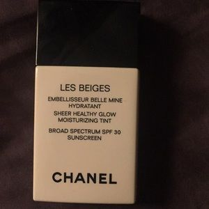 Chanel les beiges healthy glow NWOT